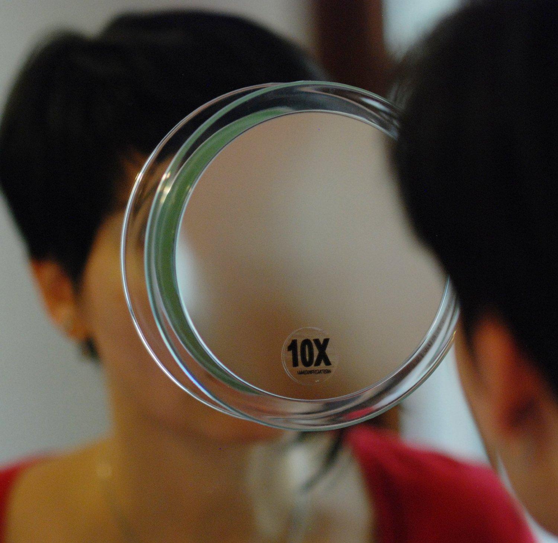 I migliori specchi ingranditori per bagno classifica e - Specchio ingrandimento ...