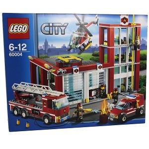 2.LEGO City Fire 60004 - Caserma dei Pompieri