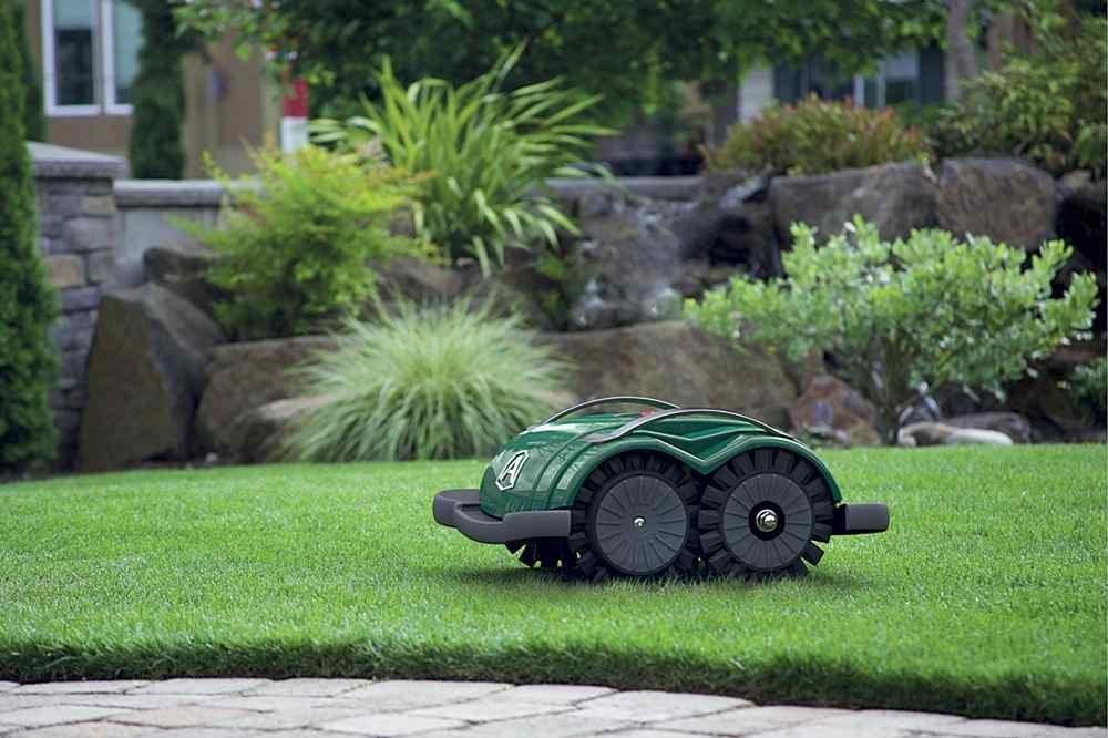 robot tagliaerba senza filo perimetrale consigli d. Black Bedroom Furniture Sets. Home Design Ideas